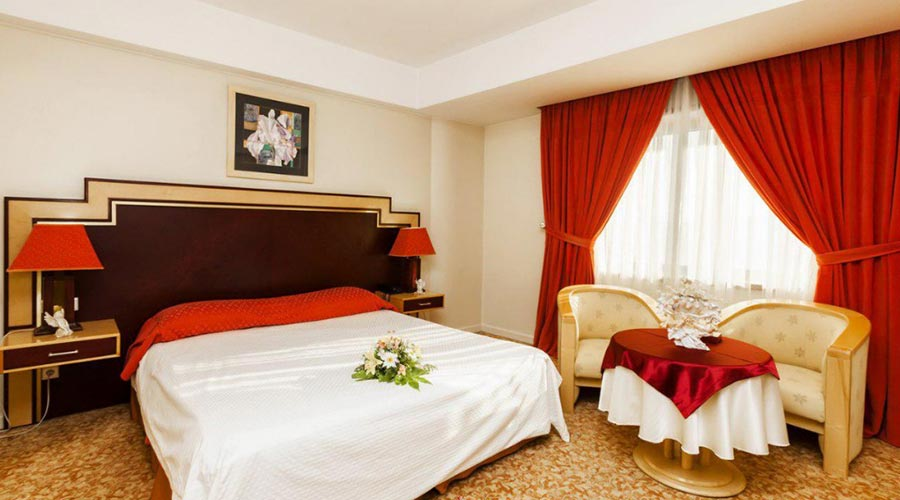 اتاق 4 هتل ائل گلی تبریز