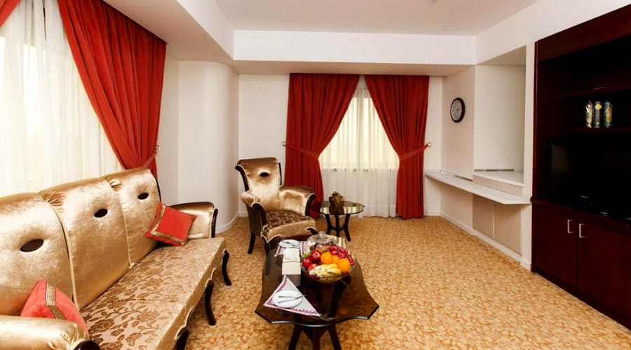 اتاق 5 هتل ائل گلی تبریز