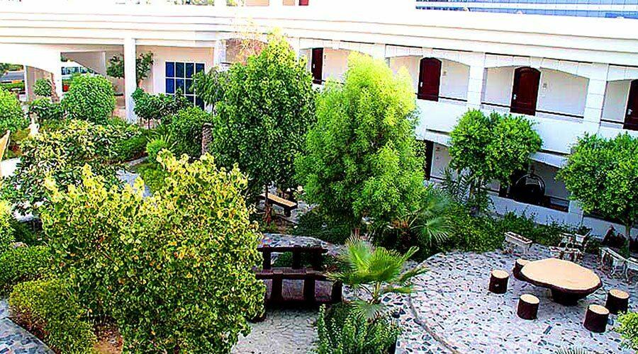 باغ هتل هلیا کیش