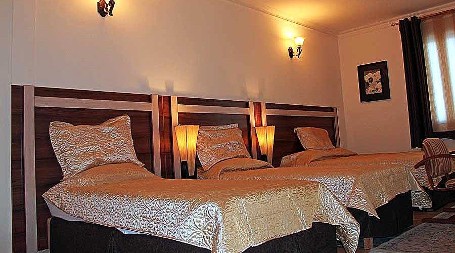 اتاق 3 هتل هلیا کیش