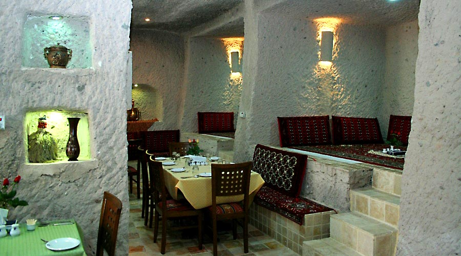 رستوران 2 هتل صخره ای لاله کندوان