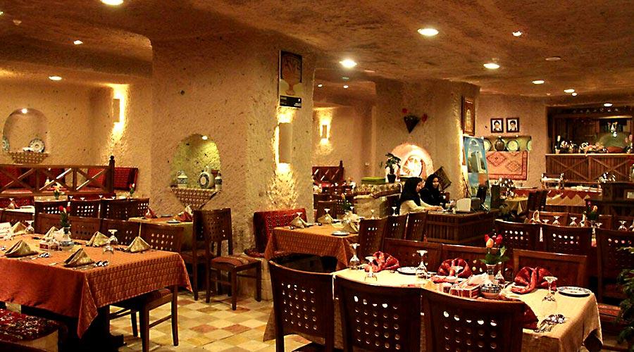 رستوران 3 هتل صخره ای لاله کندوان