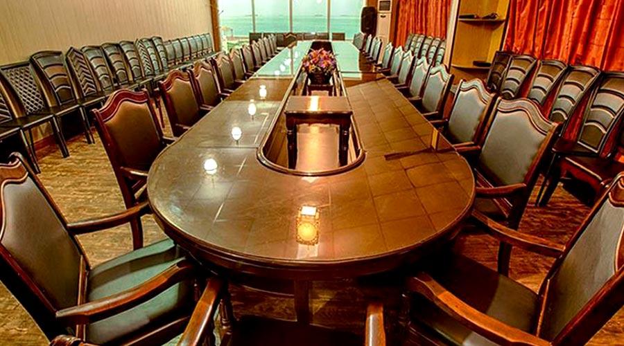 اتاق کنفرانس هتل خلیج فارس قشم