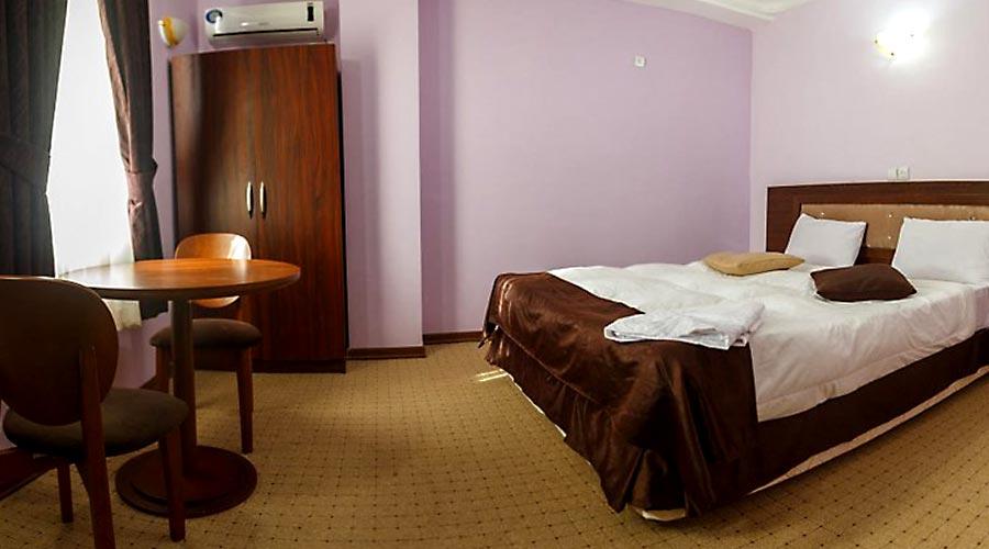 اتاق 4 هتل کیمیا 4 قشم