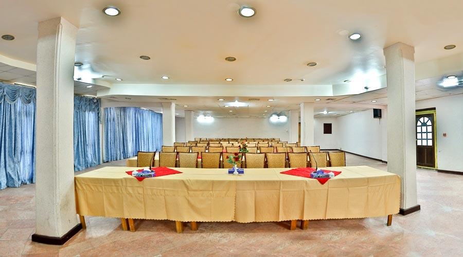 سالن کنفرانس 2 هتل لاله چابهار
