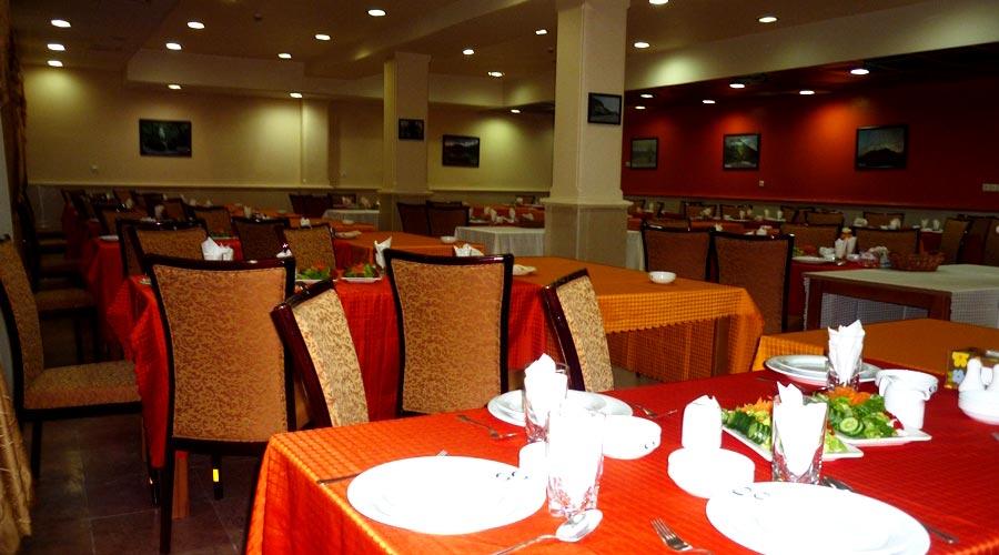 رستوران 2 هتل لاله چابهار