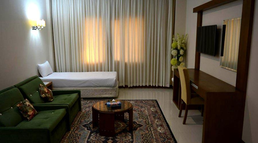 اتاق 6 هتل لیپار چابهار