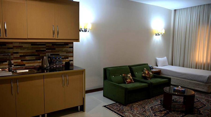 اتاق 9 هتل لیپار چابهار