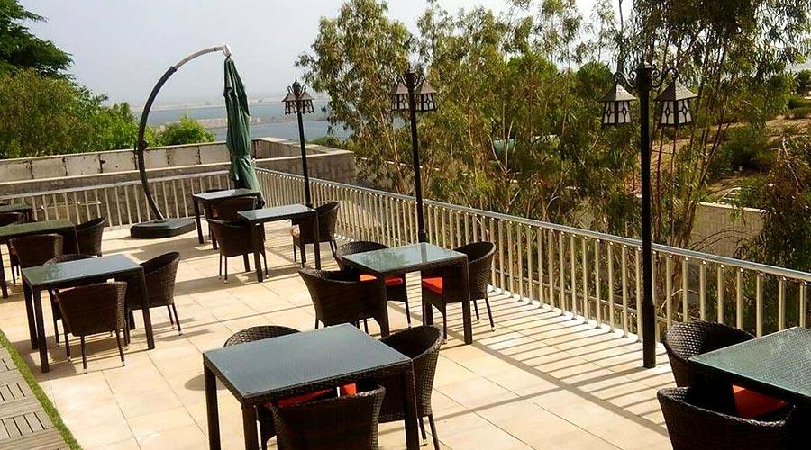 رستوران روف گاردن 1 هتل لیپار چابهار