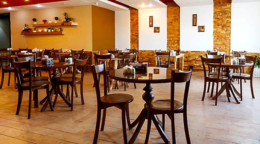 رستوران 2 هتل نخل زرین قشم