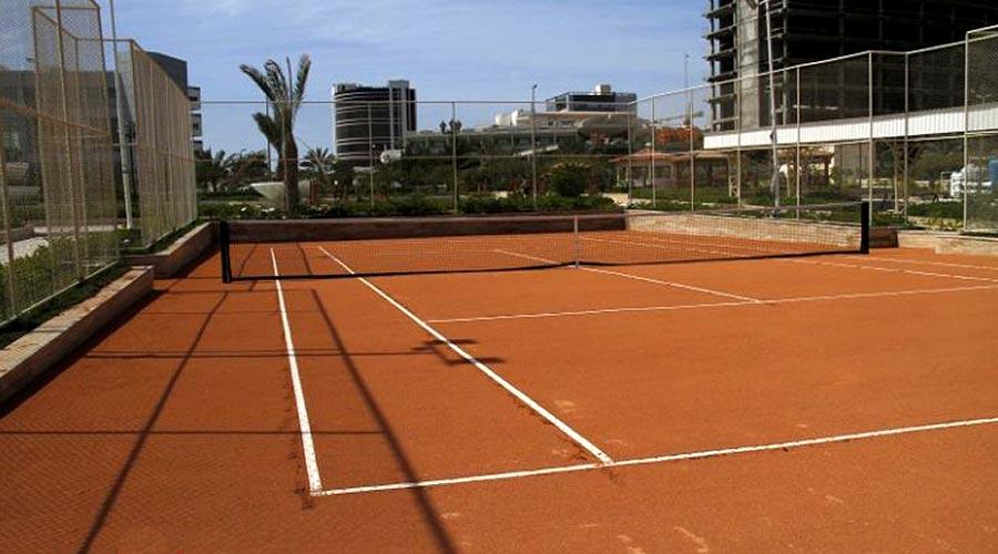 زمین تنیس هتل پارمیدا کیش