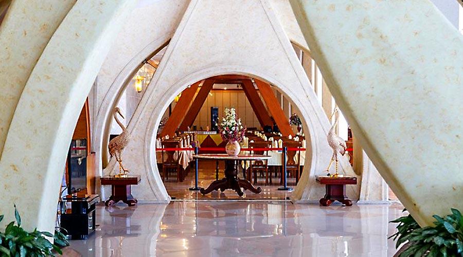 راهرو هتل پارمیس کیش