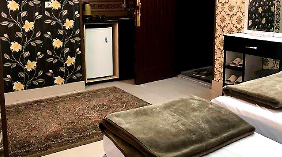 اتاق 4 هتل آپارتمان آیسان مشهد