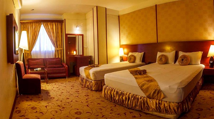 اتاق 2 هتل عماد مشهد