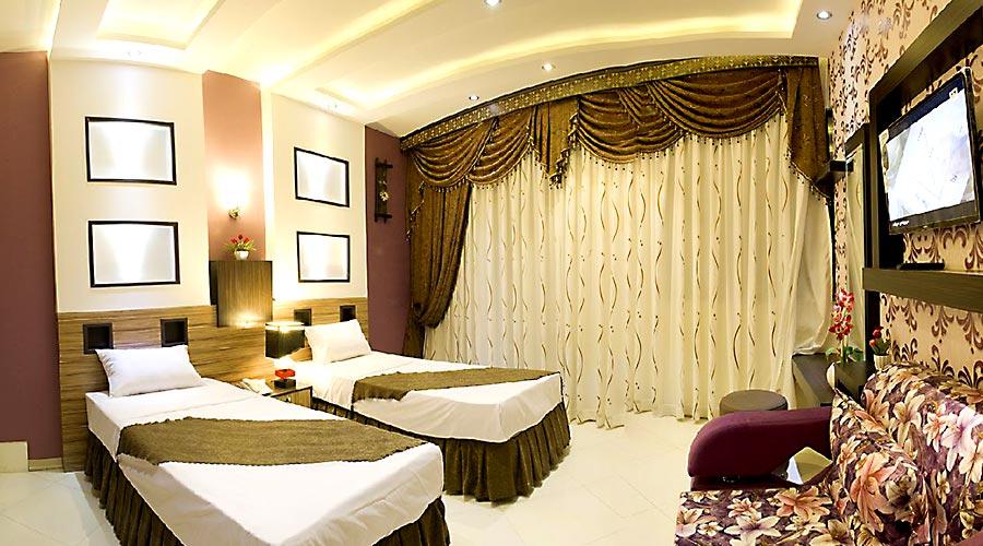 اتاق 3 هتل اسپینو مشهد
