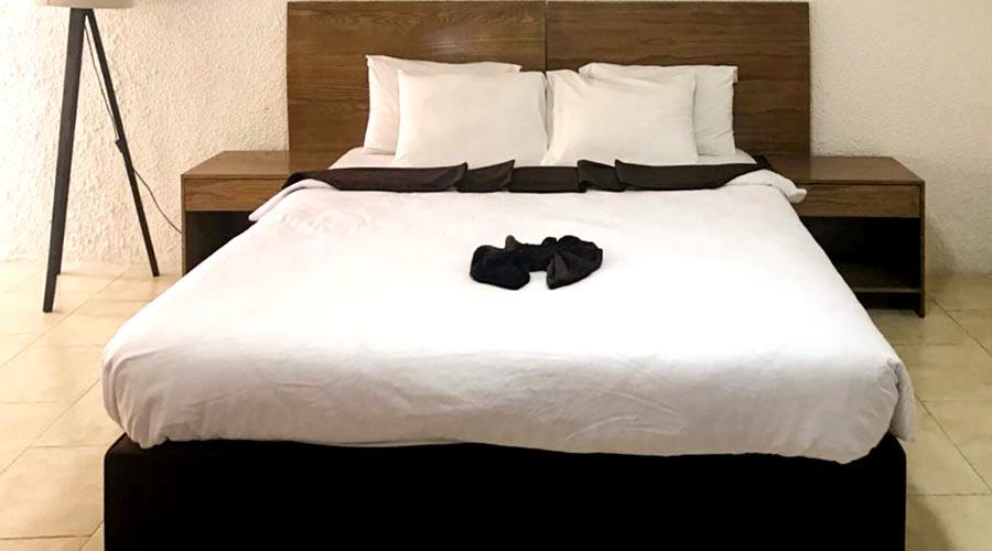 اتاق 2 هتل گلدیس کیش