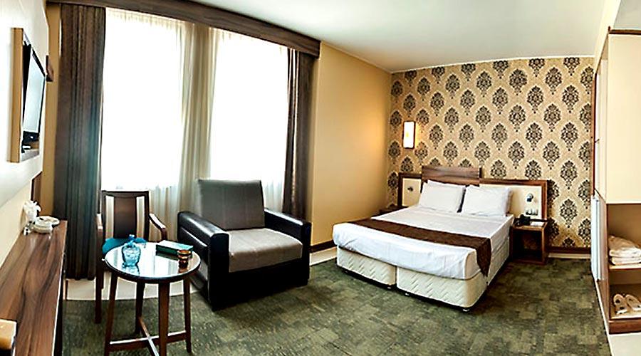 اتاق 2 هتل هاترا مشهد