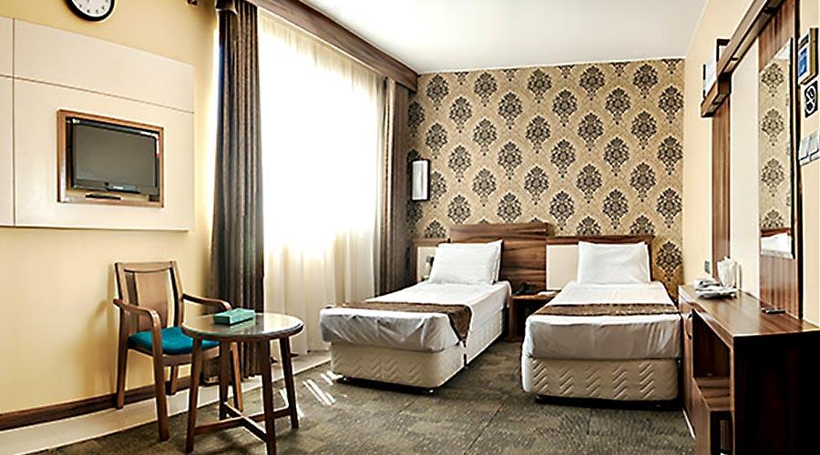 اتاق 3 هتل هاترا مشهد