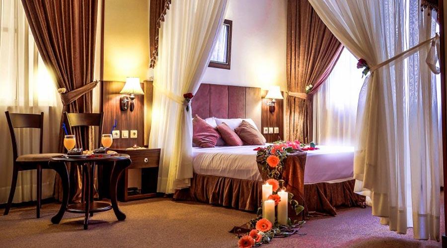 اتاق 2 هتل کیانا مشهد