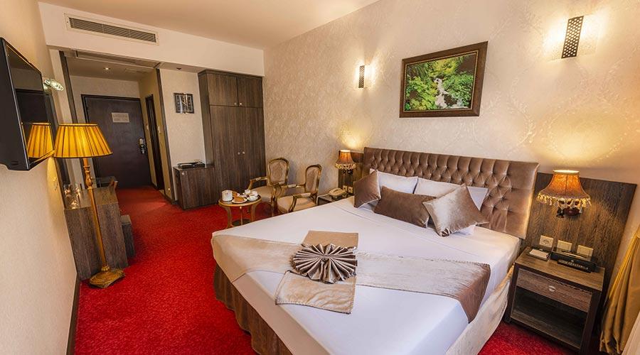اتاق 5 هتل کیانا مشهد