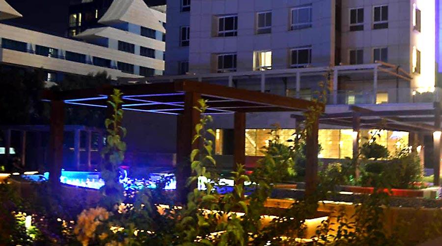 محوطه هتل کوروش کیش