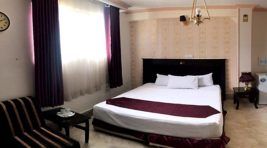 اتاق 3 هتل کوثر مشهد