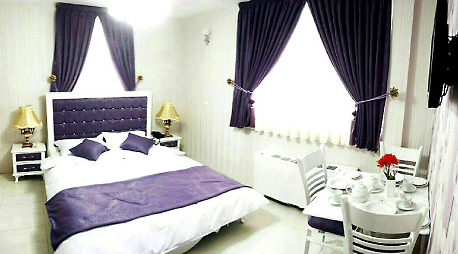 اتاق 3 هتل سعدی مشهد