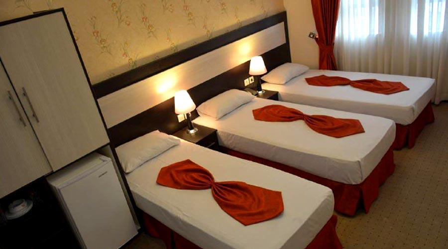 اتاق 3 هتل سراج مشهد