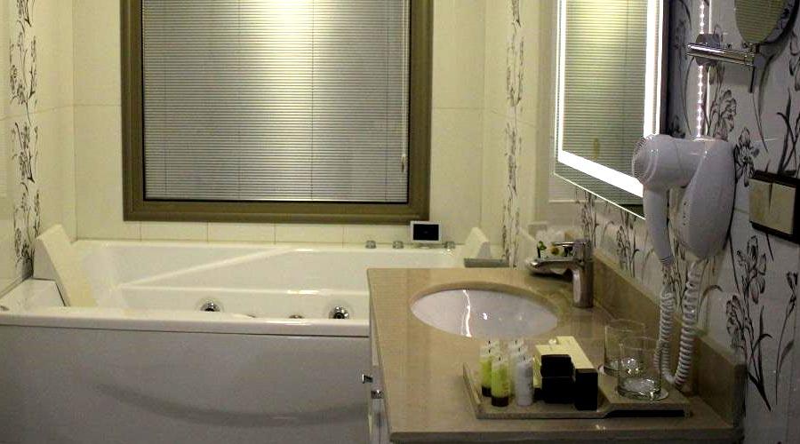 سرویس هتل ویدا کیش