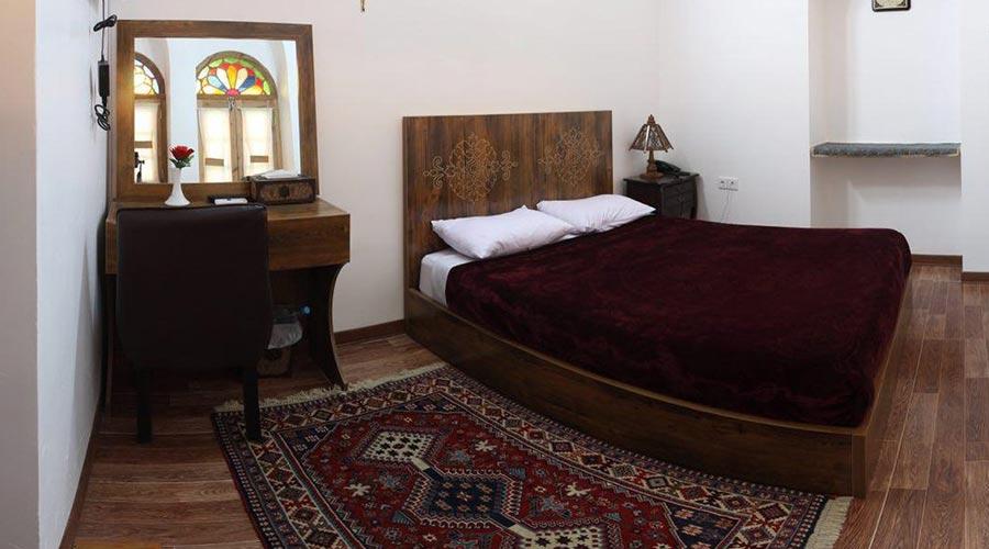 اتاق 2 هتل فاضلی یزد
