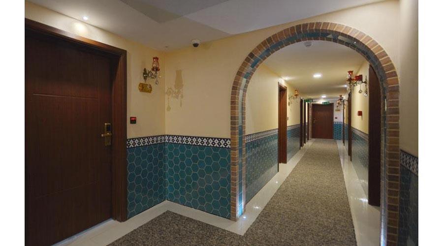 راهرو هتل ارگ شیراز