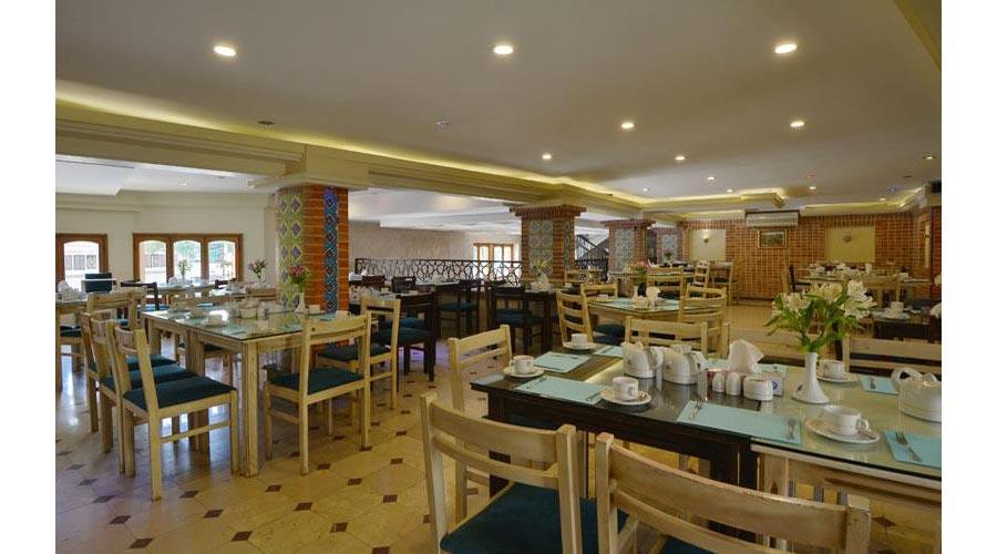 رستوران 2 هتل ارگ شیراز