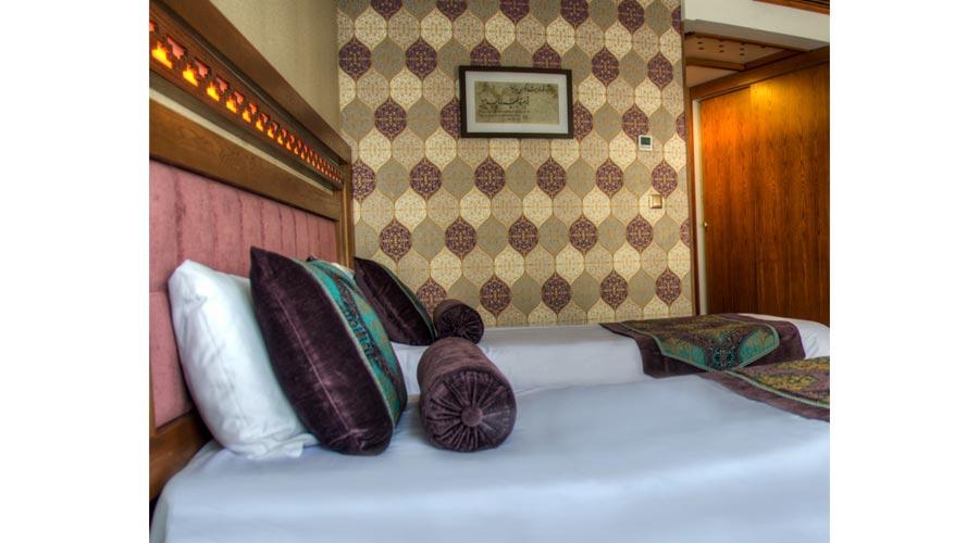 اتاق 1 هتل آریوبرزن شیراز