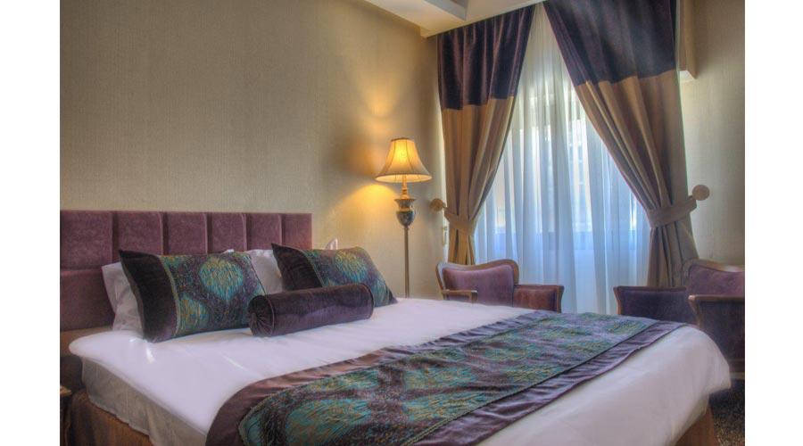 اتاق 2 هتل آریوبرزن شیراز