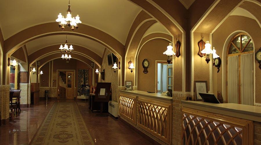 پذیرش هتل داد یزد