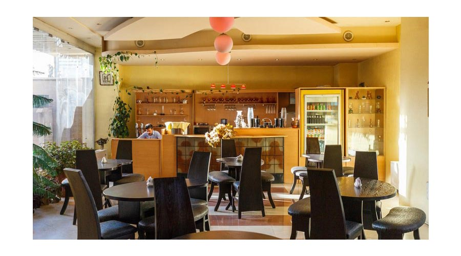کافی شاپ هتل ارم شیراز