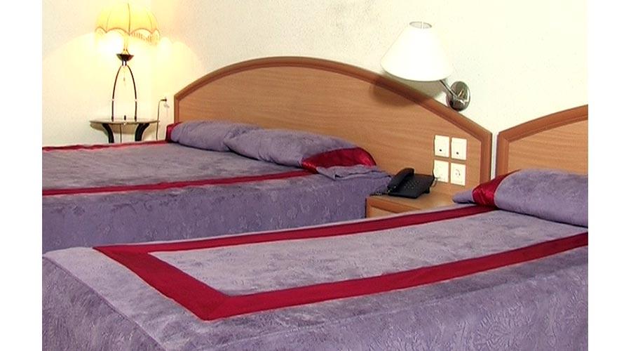 اتاق 2 هتل ارم شیراز