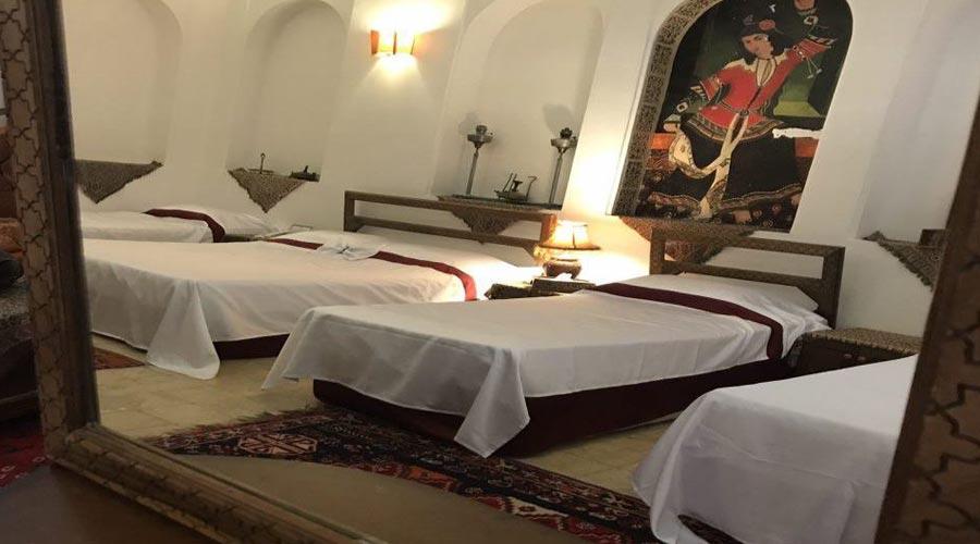 اتاق 3 هتل فهادان یزد