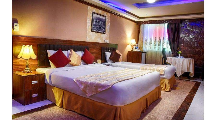 اتاق 1 هتل کریمخان شیراز