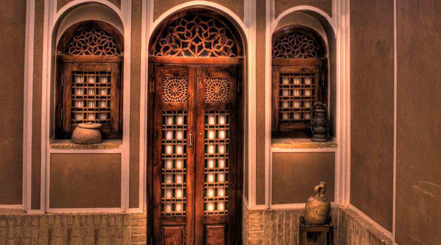 مرکز اصلی رزرو هتل لب خندق یزد