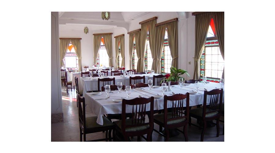 رستوران 2 هتل لاله یزد