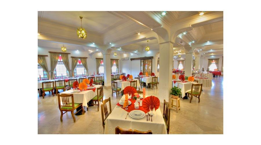 رستوران هتل لاله یزد
