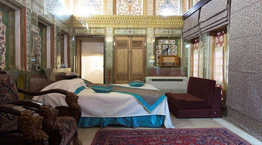 اتاق 4 هتل ملک التجار یزد