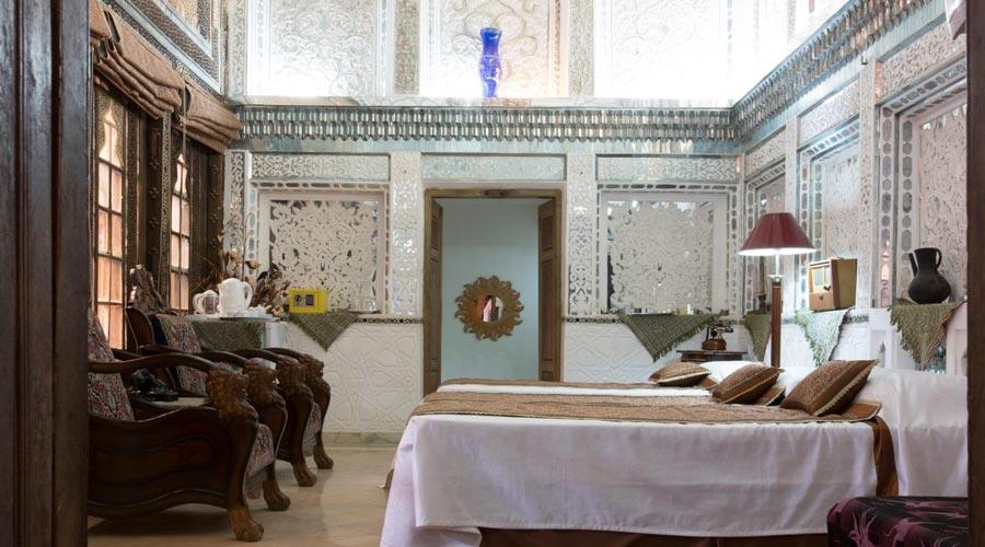 اتاق 5 هتل ملک التجار یزد