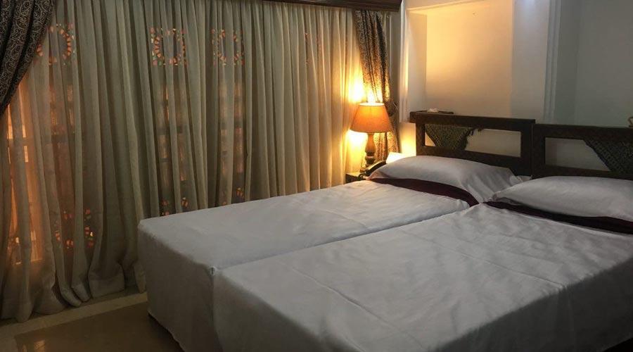 اتاق 6 هتل ملک التجار یزد