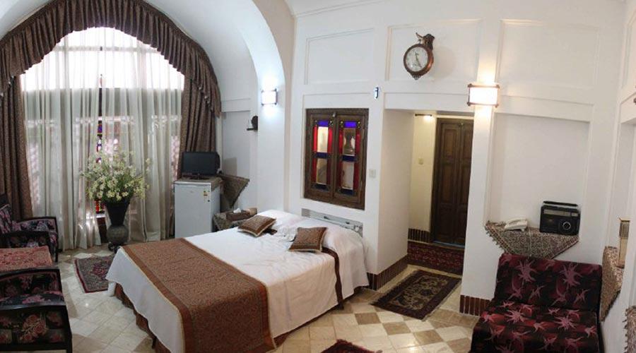 اتاق 2 هتل مهر یزد