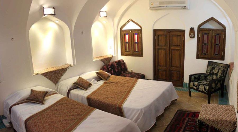 اتاق 3 هتل مهر یزد