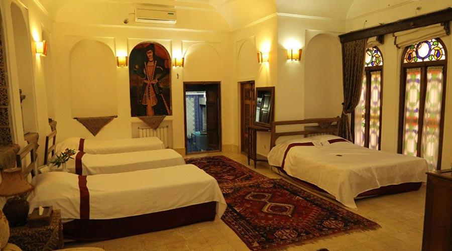 اتاق 6 هتل مهر یزد
