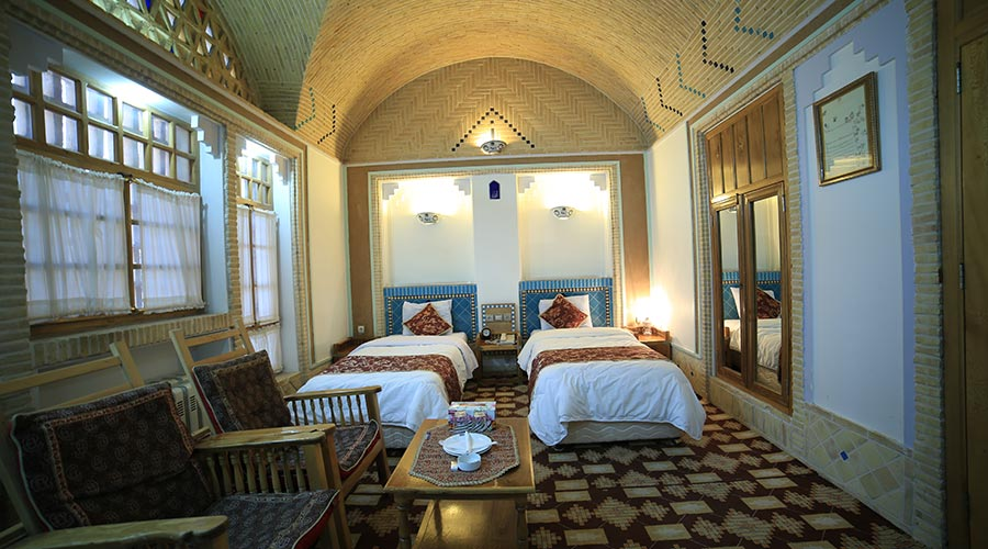 اتاق هتل مشیر الممالک یزد