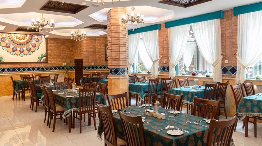رستوران هتل وکیل شیراز